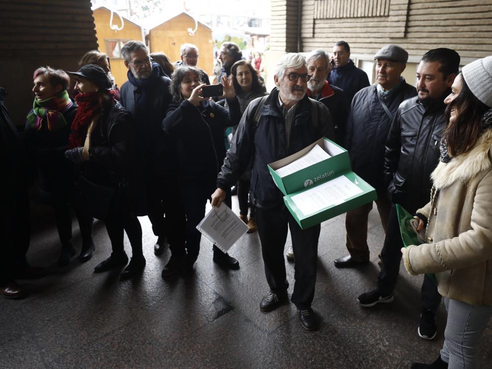 Las entidades sociales zaragozanas han presentado este miércoles más de mil alegaciones al presupuesto de 2020 elaborado por el Gobierno PP-Cs