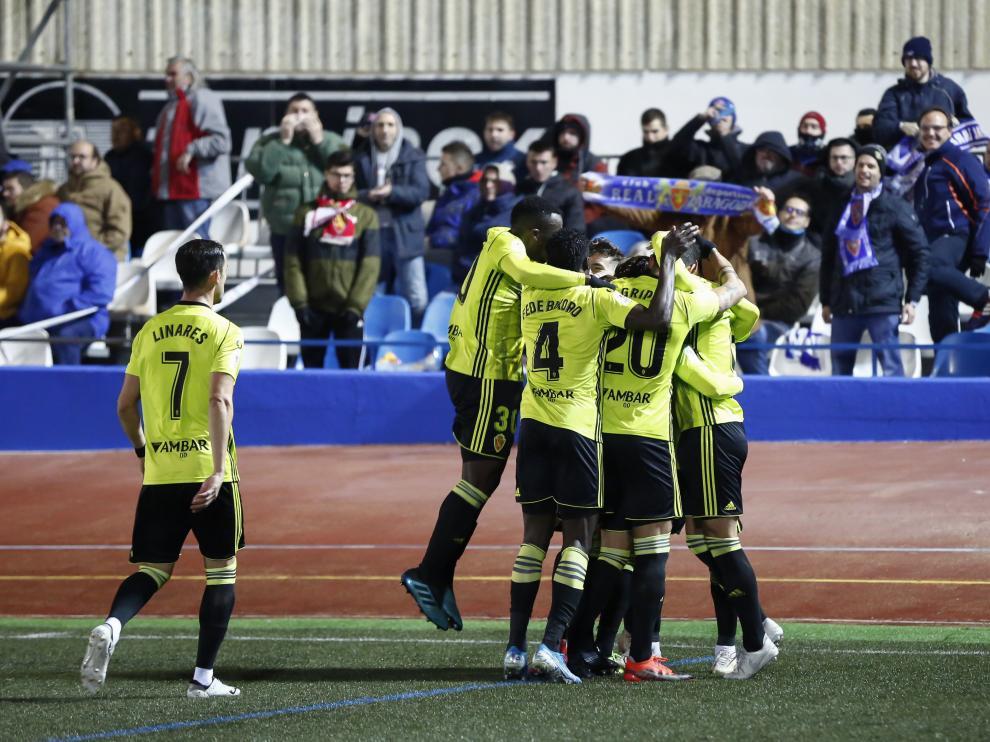 Los jugadores del Real Zaragoza celebran el único gol durante el partido de la primera eliminatoria ante el Socuéllamos.