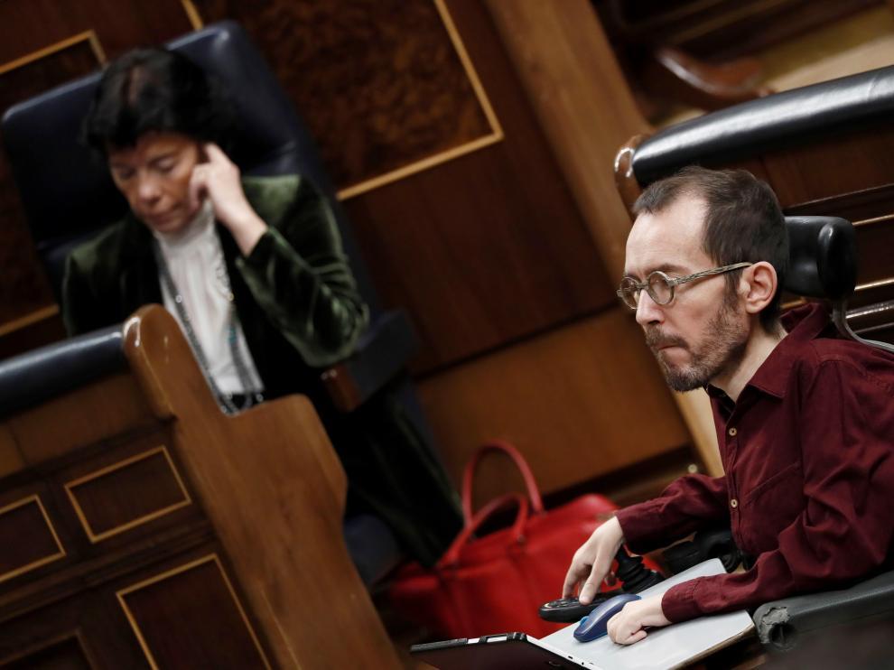 Echenique en el Congreso de los Diputados con motivo de la sesión de investidura.