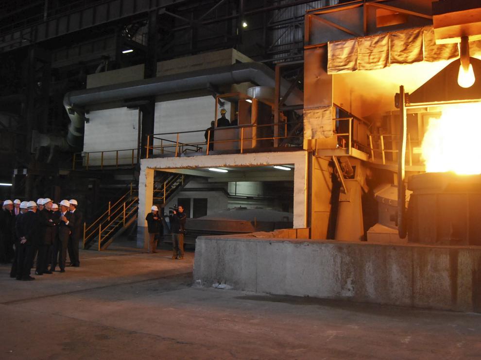 La planta del grupo Villar Mir es una empresa motor de la industria del Cinca Medio.