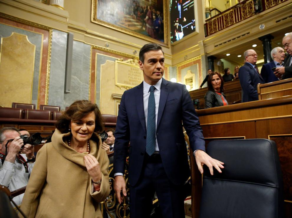 Sánchez y Calvo dejan sus escaños tras la segunda jornada del debate de investidura.