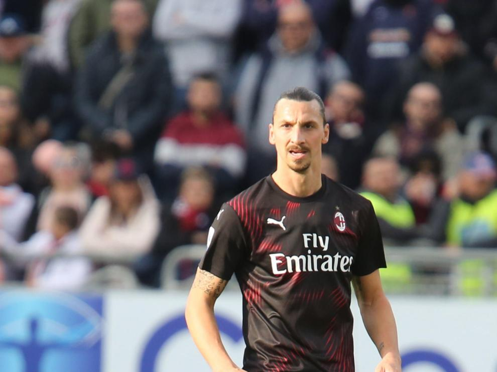 Cagliari (Italy), 11/01/2020.- Milan's Zlatan Ibrahimovic in action during the Italian Serie A soccer match between Cagliari Calcio and AC Milan at Sardegna Arena stadium in Cagliari, Italy,11 January 2020. (Italia) EFE/EPA/FABIO MURRU Cagliari vs AC Milan