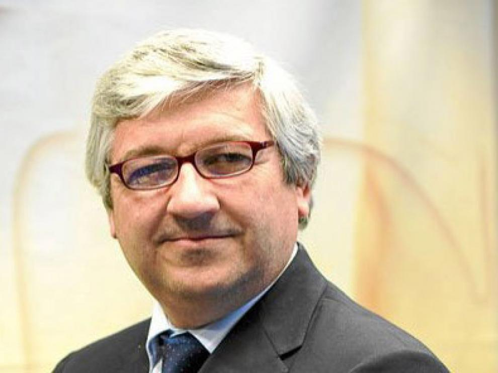 El zaragozano Pedro Manonelles es el presidente de la sociedad.
