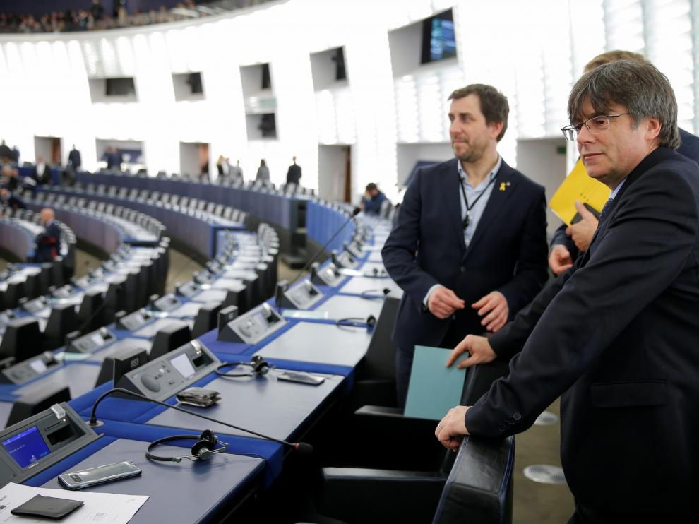 Former members of the Catalan government Carles Puigdemont and Toni Comin attend their first plenary session as members of the European Parliament in Strasbourg, France, January 13, 2020. REUTERS/Vincent Kessler [[[REUTERS VOCENTO]]] SPAIN-POLITICS/CATALONIA-EU