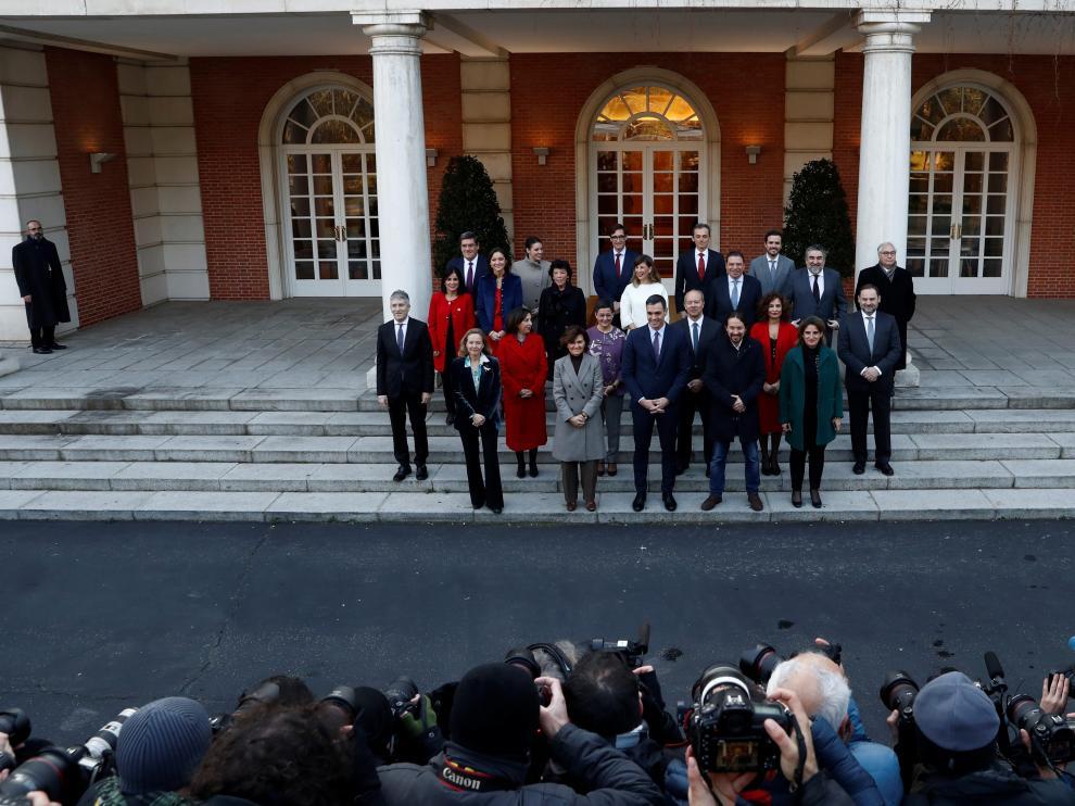 Foto de grupo del nuevo Consejo de Ministros.