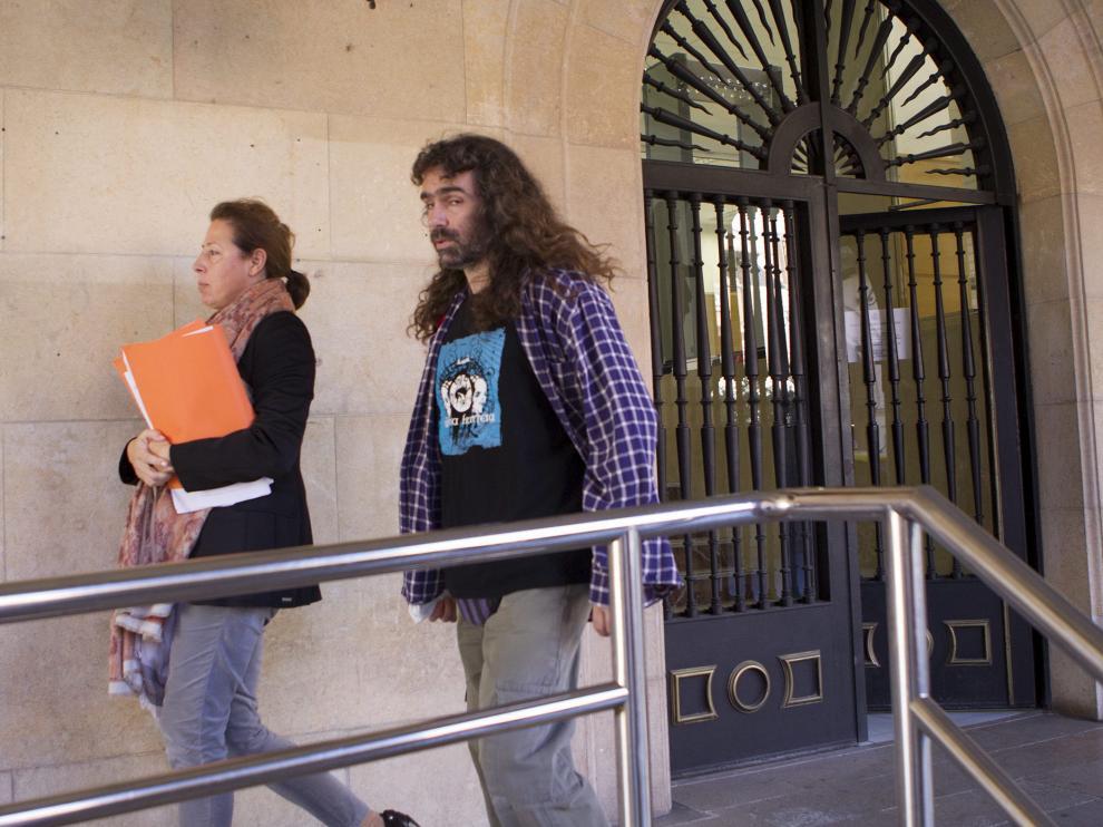 Jeronimo Cano, juez de instruccion de la sala numero 3 del juzgado de Teruel, a su salida de los juzgados. Foto Antonio Garcia/Bykofoto. 20-11-15 [[[HA ARCHIVO]]]