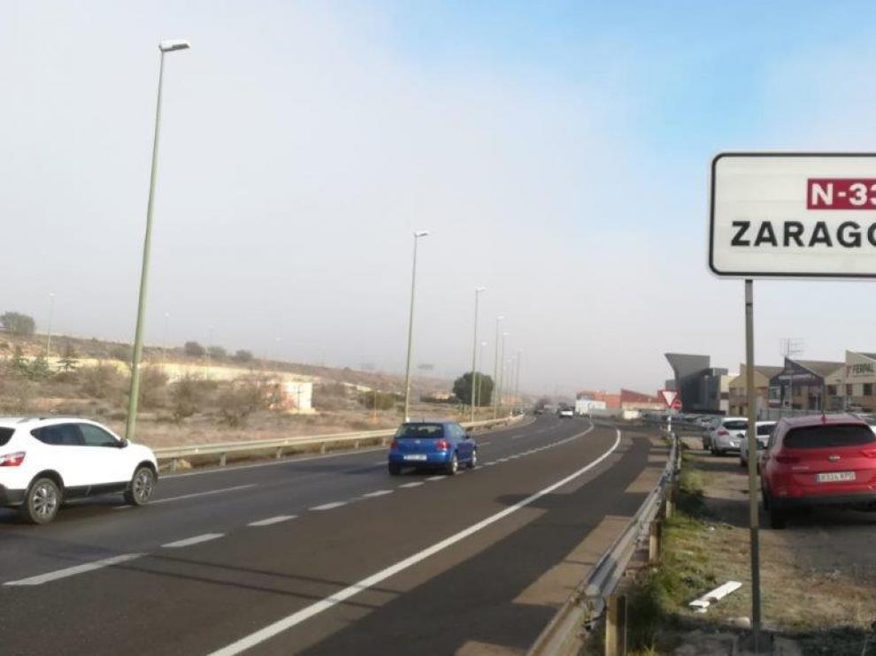 La niebla, menos persistente este miércoles, se ha concentrado en el área metropolitana de Zaragoza.
