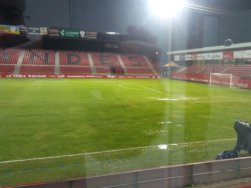 Mirandés y Real Zaragoza jugarán el partido de la 24ª jornada de liga este sábado a las 21.00 en un césped muy alterado por las circunstancias meteorológicas