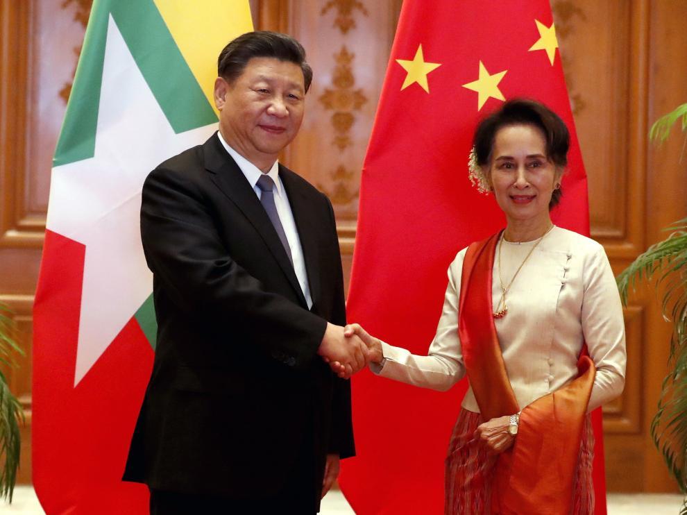 Xi Jinping y San Suu Kyi este sábado en Myanmar.