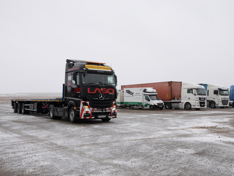 Camiones estacionados en el área de servicio de Villafranca del Campo (Teruel)