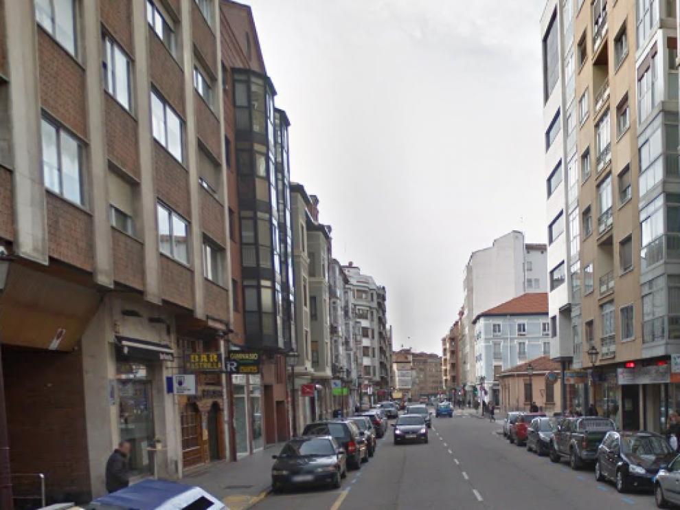La agresión se produjo en a las 23.00 en la calle del Progreso de Burgos