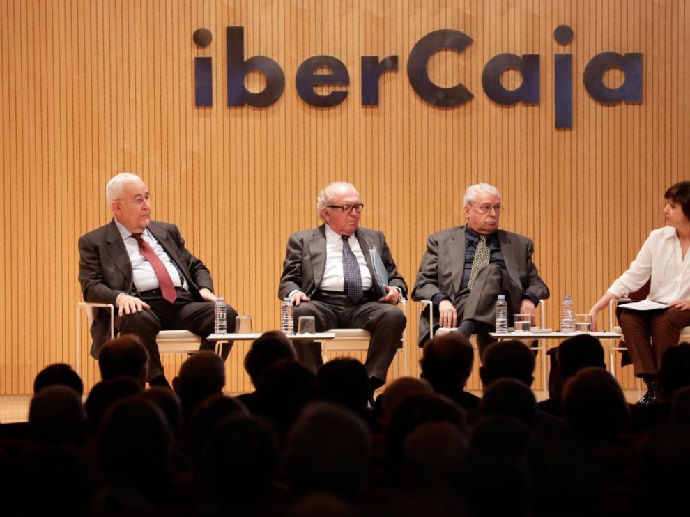 José Angel Biel, Eduardo Serra, Joaquín Leguina y la periodista Eva Pérez Sorribes