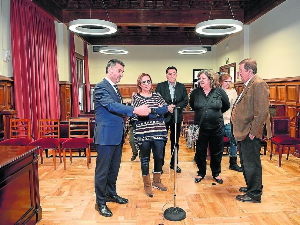Manuel Bellido, Mayte Pérez, Ángeles Júlvez y Fermín Hernández, en la sala donde se juzgará a Feher
