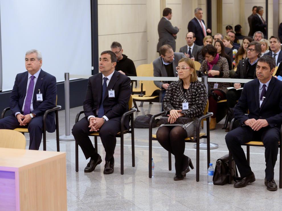 Trapero, a la derecha, durante el juicio