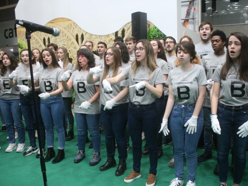 coro Cantatutti en Fitur