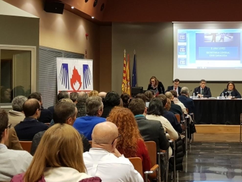 El vicepresidente del Gobierno de Aragón, Arturo Aliaga, en la inauguración de la Jornada Empresarial en Materia de Seguridad de Incendios.