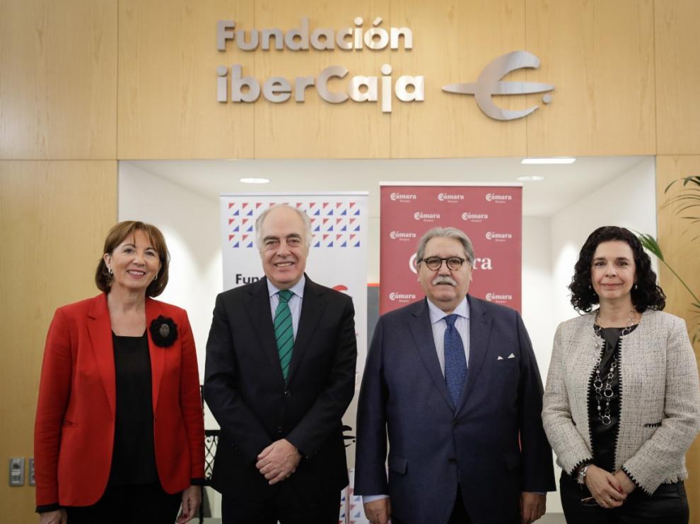 Firma de convenio y presentación del Programa Forma-T, entre Fundación Ibercaja y Cámara de Comercio de Zaragoza.