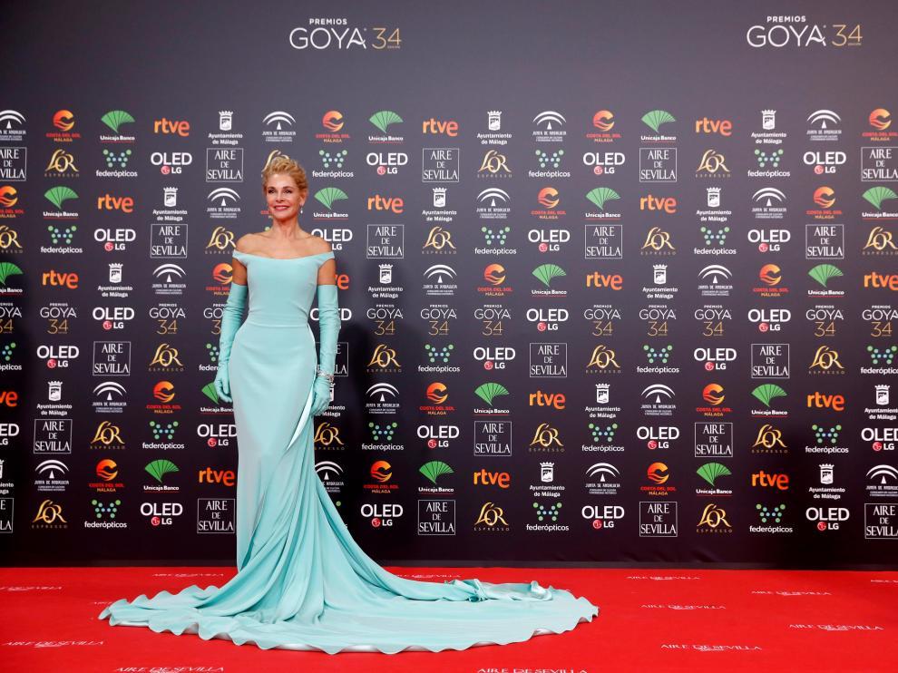 Belén Rueda posa en la alfombra roja de los Premios Goya 2020.