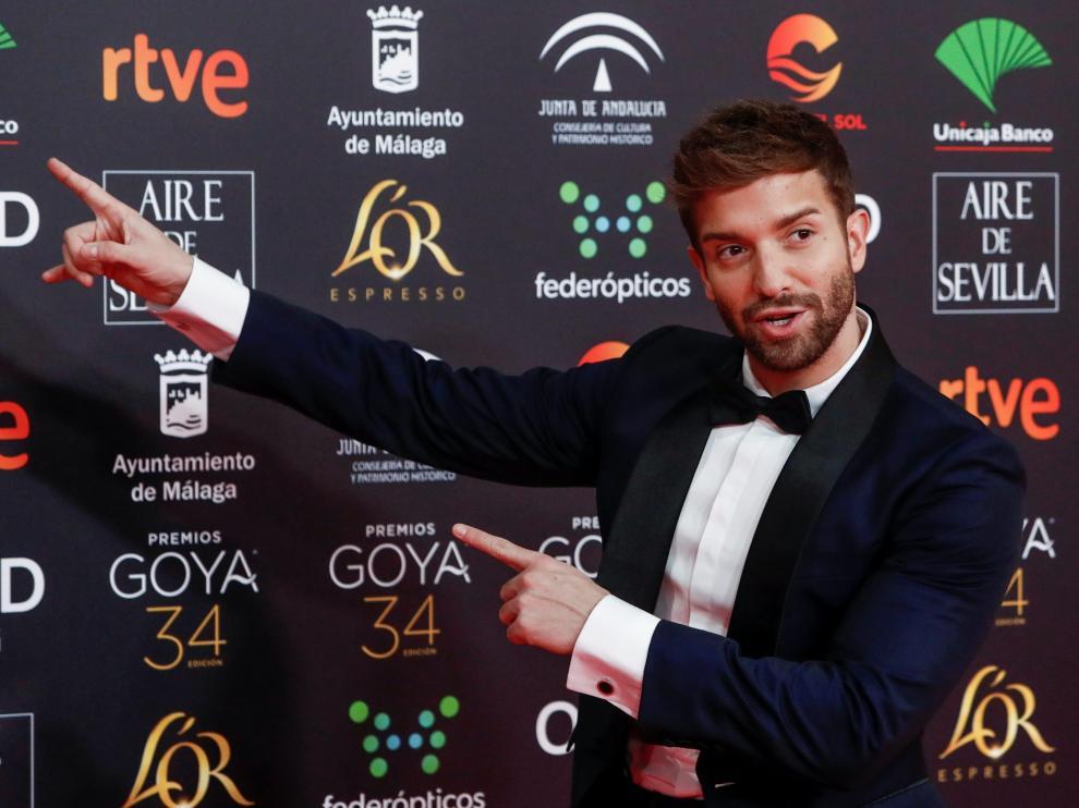 El cantante Pablo Alborán con un traje a medida de Bere Casillas.
