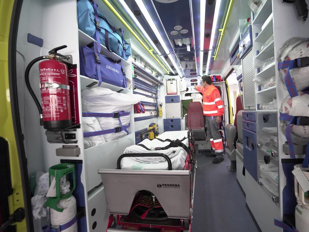 Ambulancia en el centro de salud ensanche de Teruel. Foto Antonio Garcia/Bykofoto. 26/01/20 [[[FOTOGRAFOS]]]