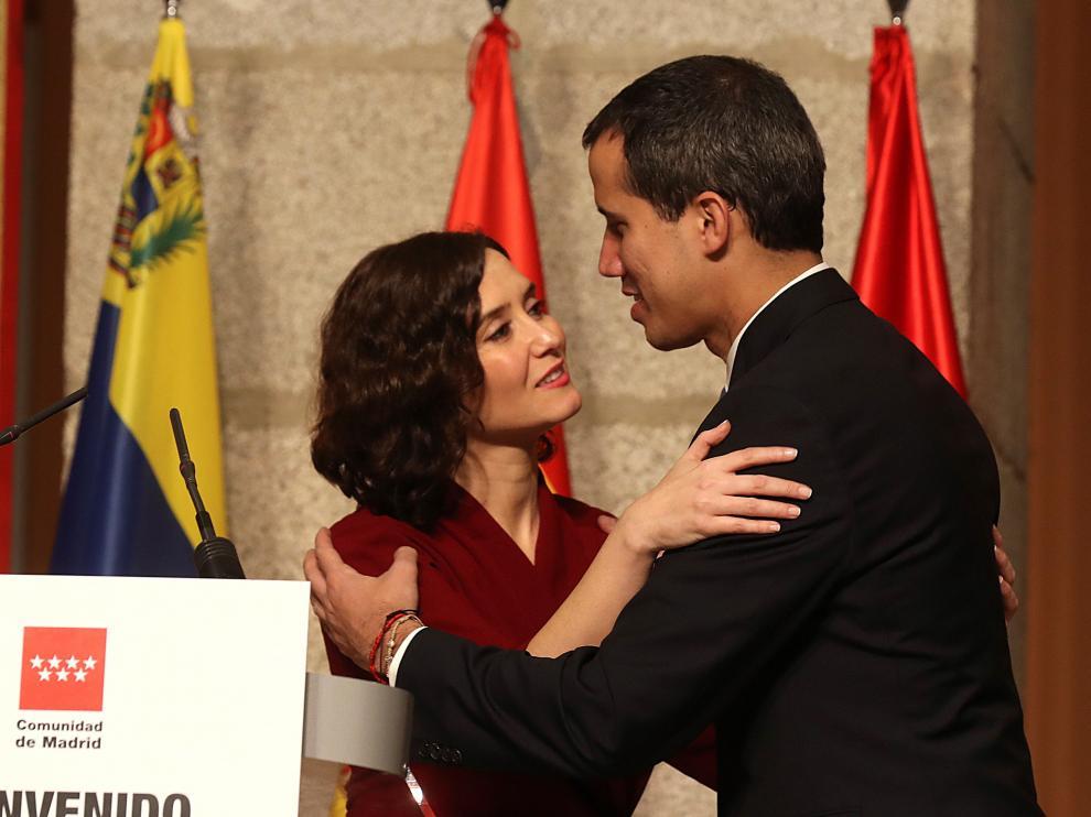 El presidente de la Asamblea Nacional de Venezuela junto a la presidenta de la Comunidad de Madrid.