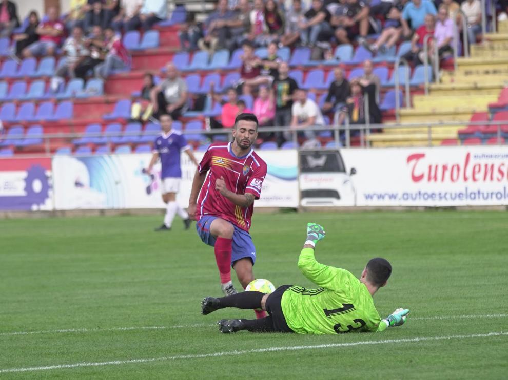 Fútbol. Tercera División: CD Teruel vs. CD Valdefierro.