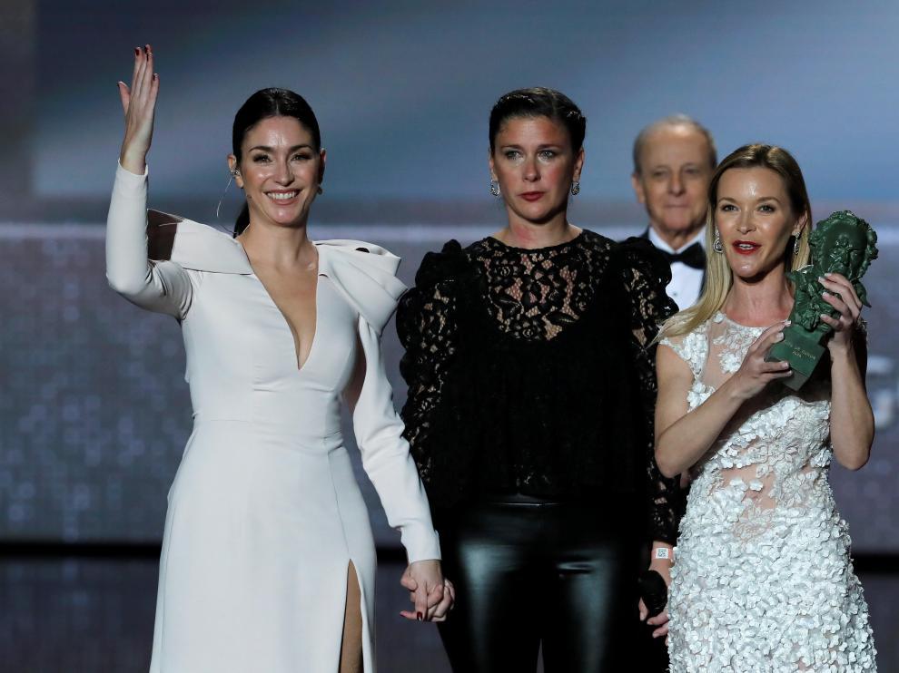 Las hijas de Pepa Flores recogieron el premio.