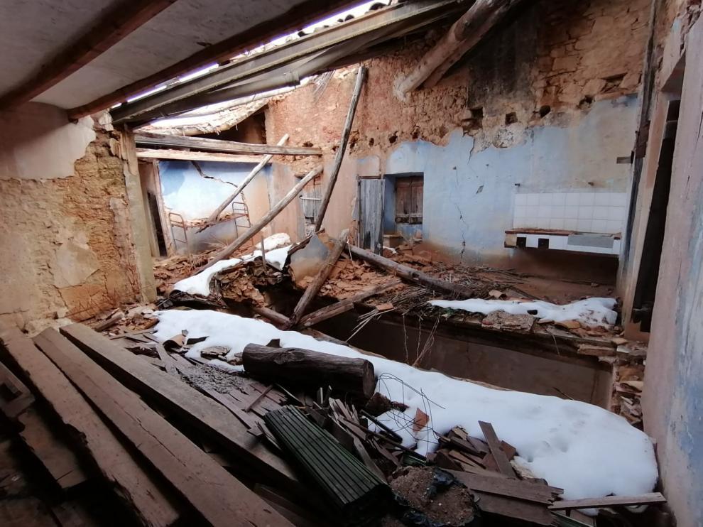 Una de las zonas en las que se ha hundido la techumbre en la ermita de Fórnoles