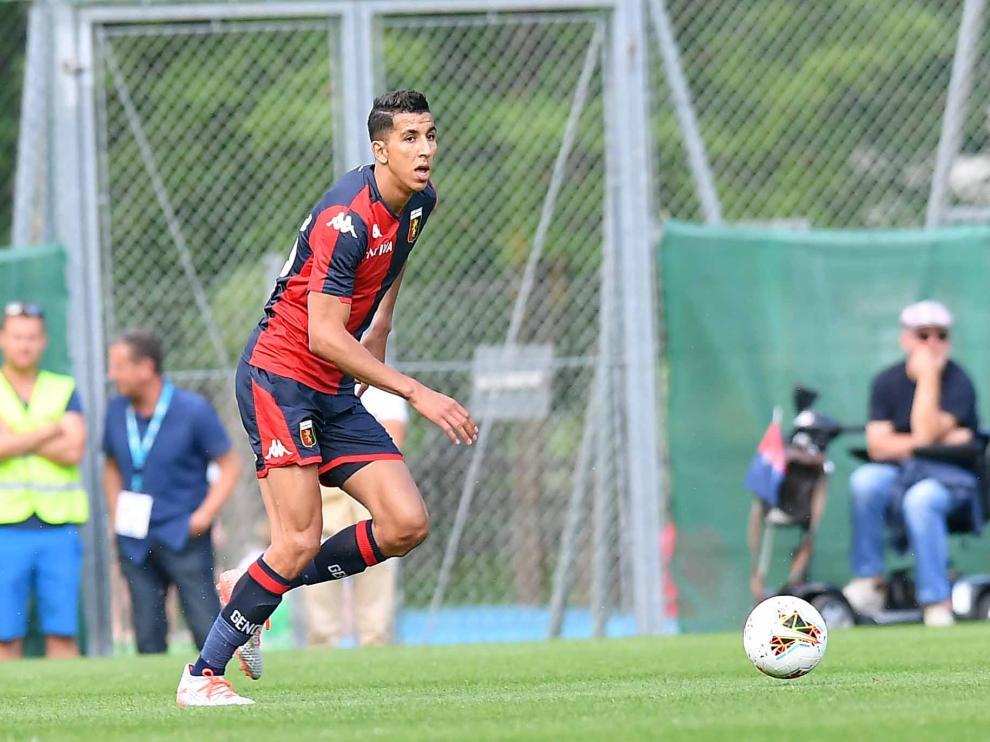 El Yamiq, en un partido con el Genoa, su club de procedencia.