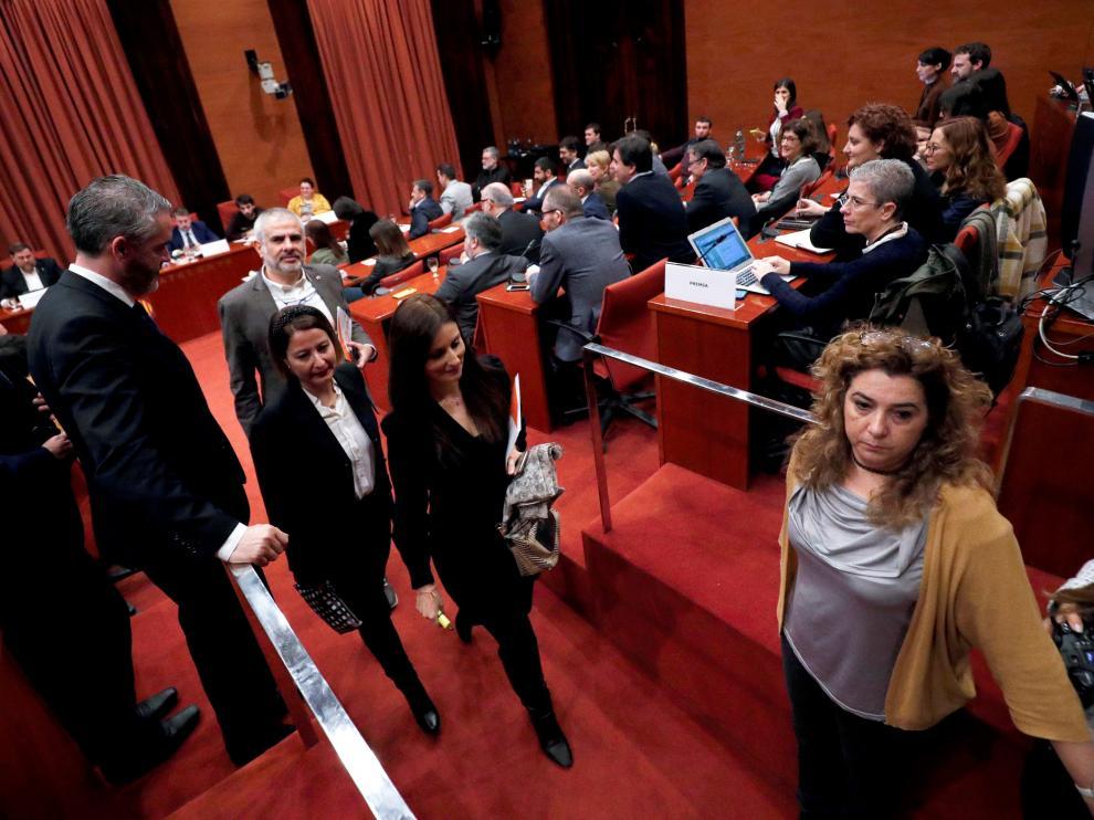 El grupo parlamentario de Cs ha abandonado este martes la comisión del 155.