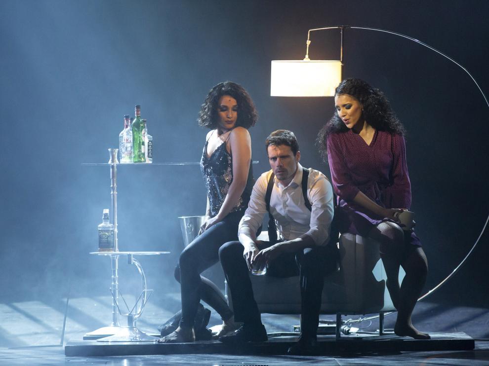 Tres de los actores que intervienen en 'El guardaespaldas'.