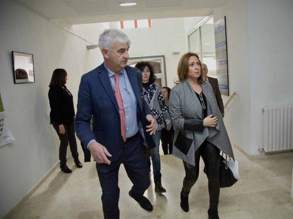 La consejera de Presidencia del Gobierno de Aragón, Mayte Pérez, se ha reunido con alcaldes de las comarcas de Daroca y Cariñena