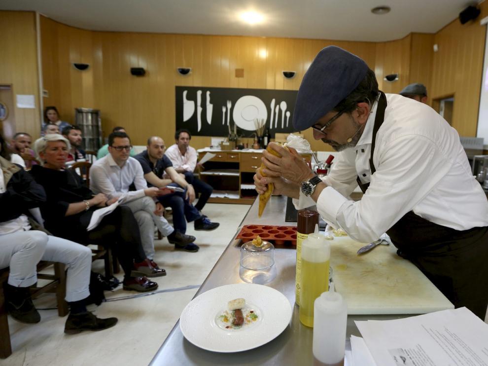 Uno de los Talleres Huesca la Magia de la Gastronomía.
