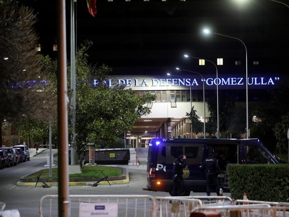 Los españoles repatriados, a su llegada al Gómez Ulla.