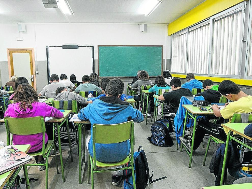 Alumnos en un aula de la Universidad de Zaragoza.