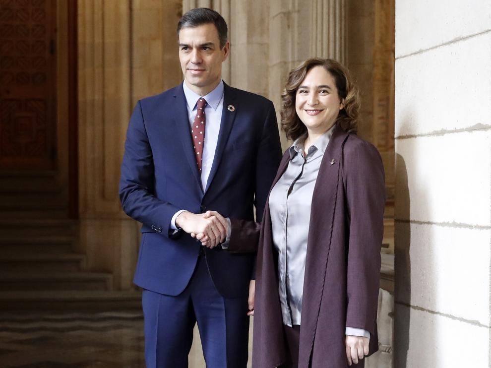 Pedro Sánchez y Ada Colau en el encuentro de este viernes.