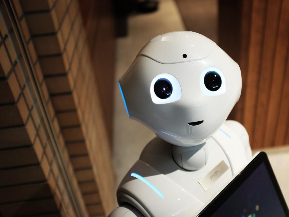 Pepper, el robot dependiente japonés.