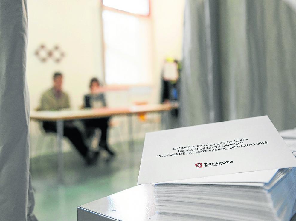 Las últimas elecciones se celebraron en 2016. En la imagen, un colegio electoral en Casetas.