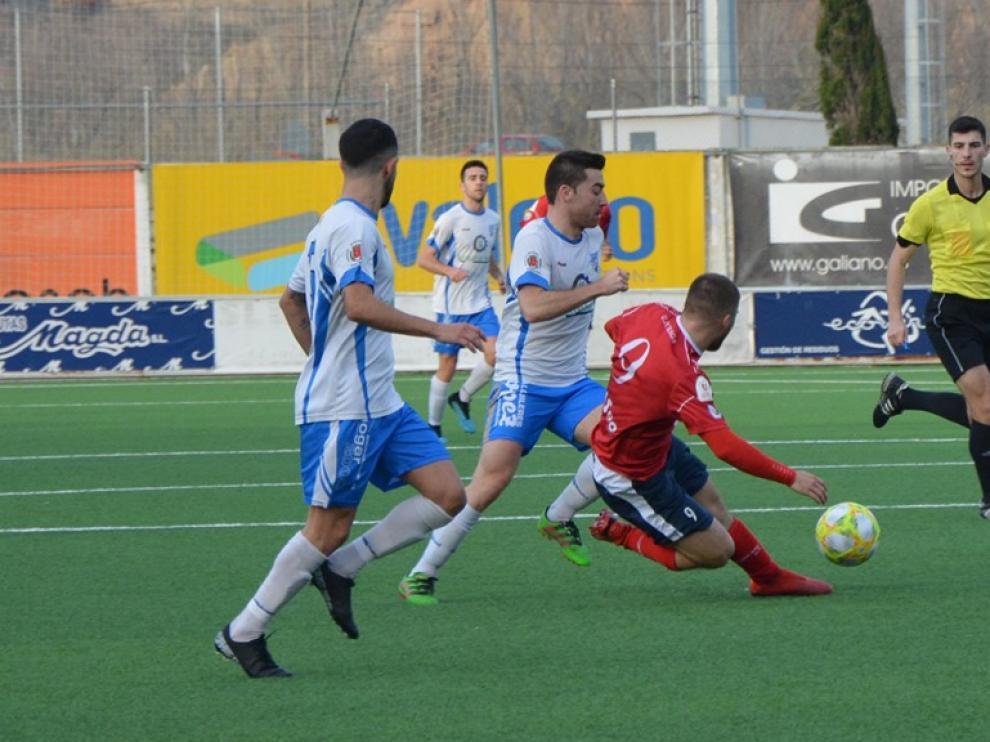 Fútbol Tercera División: Fraga-Sariñena.