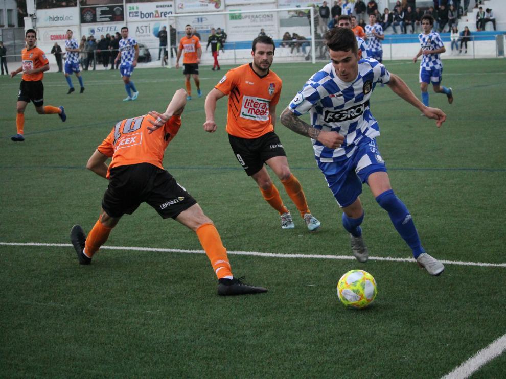 Fútbol Tercera División: Tamarite-Binéfar.