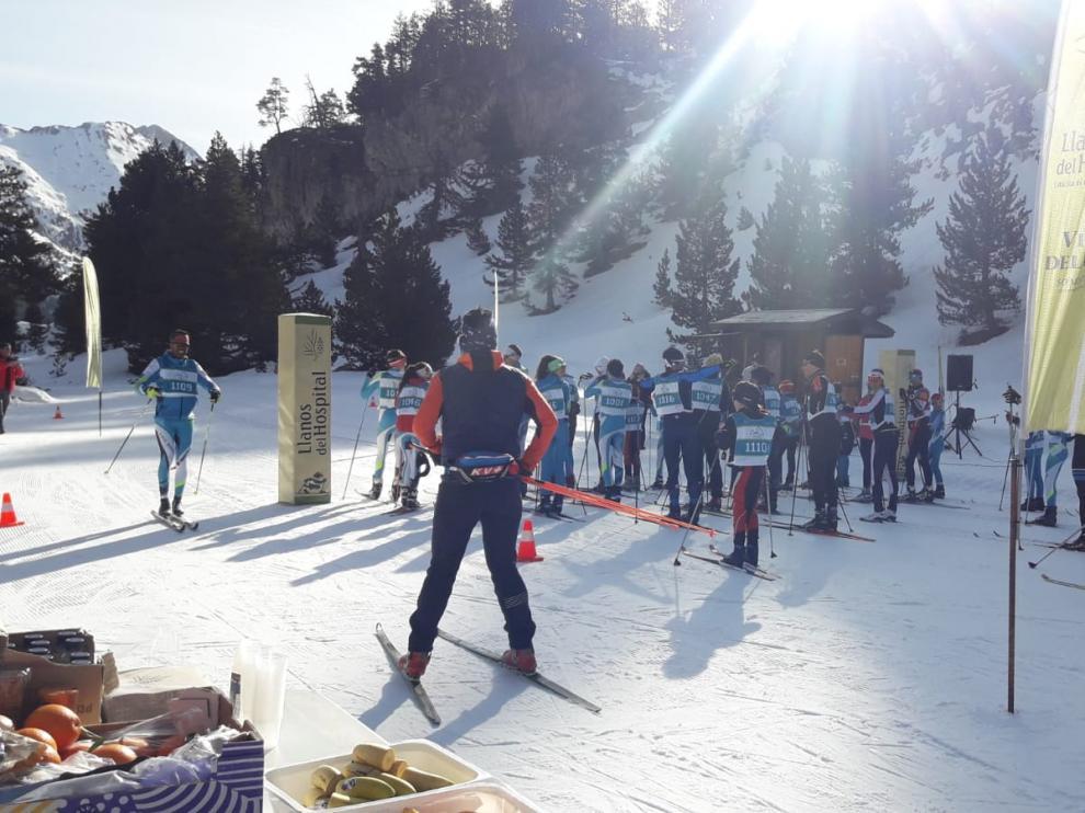 Imagen de la 9º edición de la jornada de promoción de esquí de fondo en Llanos del Hospital
