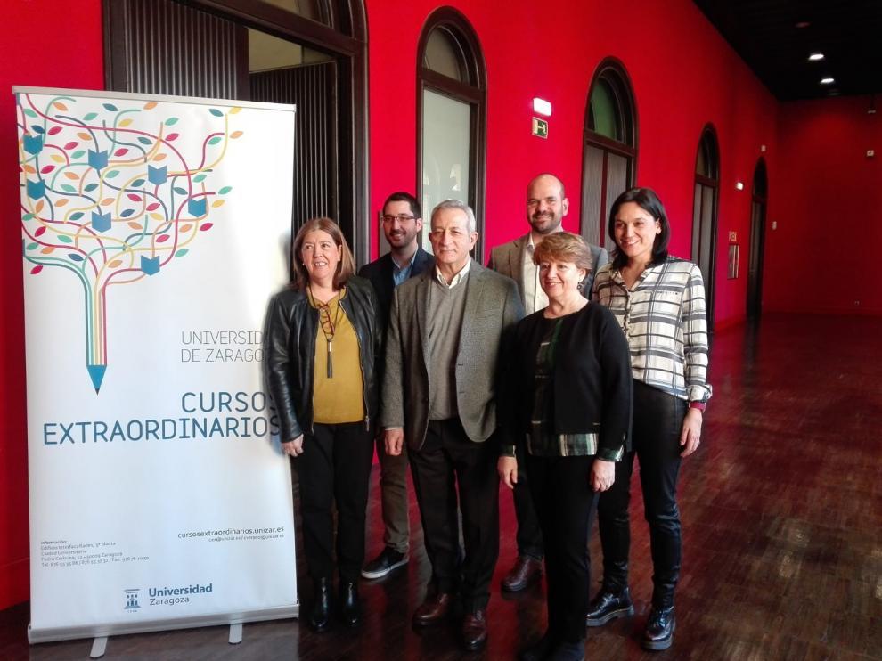 El Paraninfo ha acogido este lunes la presentación de la primera edición de invierno de los cursos extraordinarios.