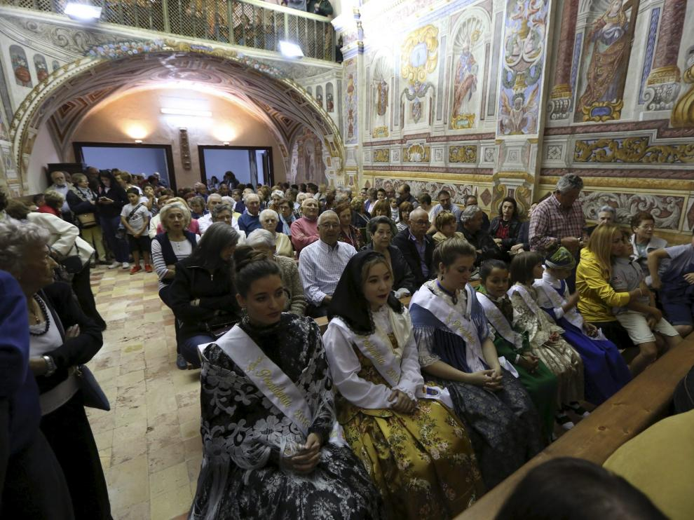 Los vecinos de Ayerbe celebraron una gran fiesta para la reapertura de la Virgen de Casbas.