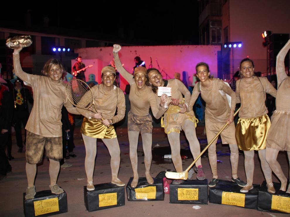 Grupo ganador de una edición anterior del carnaval de Barbastro.