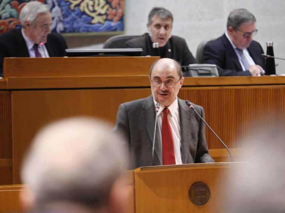 Lambán, este miércoles en el pleno de las Cortes de Aragón.