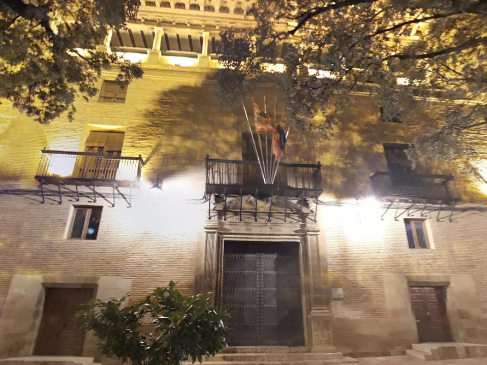 Fachada del Ayuntamiento de Huesca.