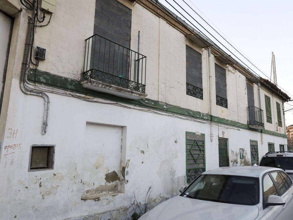 La casa ocupada por el colectivo Las Pikarazas ha quedado desalojada y tapiada por orden judicia