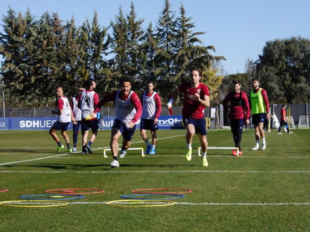 Entrenamiento de la SD Huesca previo a la cita con el Almería.