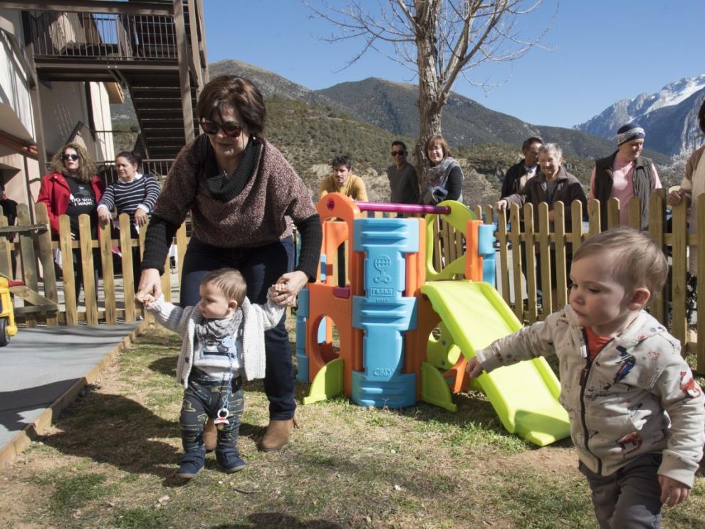 Inauguración oficial de la escuela infantil de Campo.