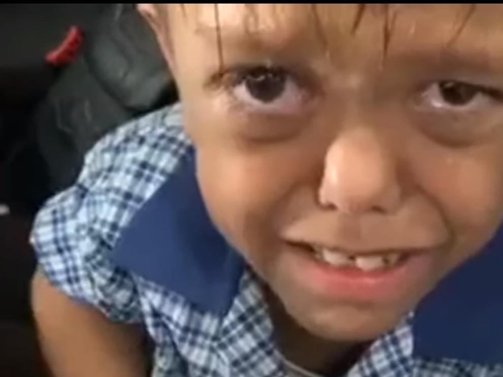 Captura del vídeo donde aparece el niño pidiendo morir.